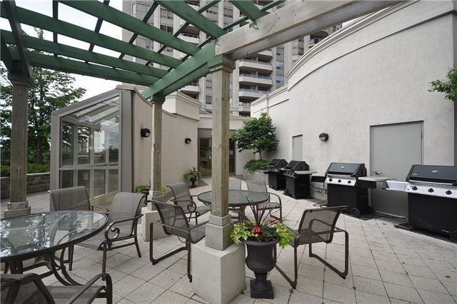 Condo Apartment at 35 Kingsbridge Garden Circ, Unit 2704, Mississauga, Ontario. Image 18