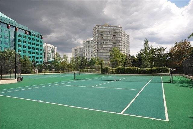 Condo Apartment at 35 Kingsbridge Garden Circ, Unit 2704, Mississauga, Ontario. Image 19