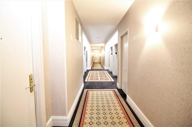 Condo Apartment at 35 Kingsbridge Garden Circ, Unit 2704, Mississauga, Ontario. Image 20