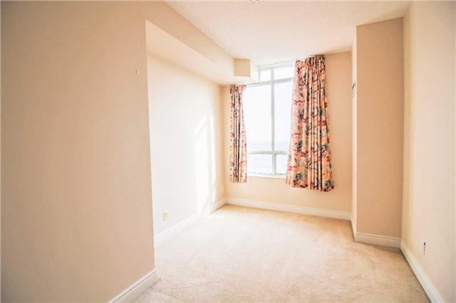 Condo Apartment at 35 Kingsbridge Garden Circ, Unit 2704, Mississauga, Ontario. Image 8
