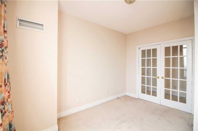 Condo Apartment at 35 Kingsbridge Garden Circ, Unit 2704, Mississauga, Ontario. Image 9