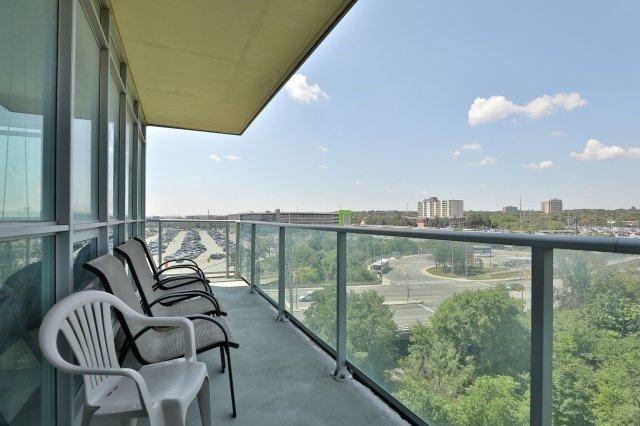 Condo Apartment at 1055 Southdown Rd, Unit 603, Mississauga, Ontario. Image 5