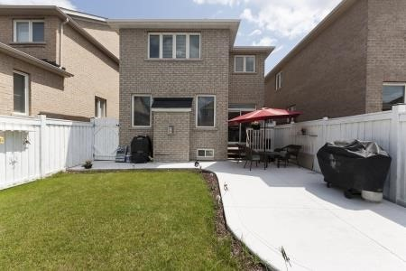 Detached at 22 Matthew Harrison St, Brampton, Ontario. Image 9