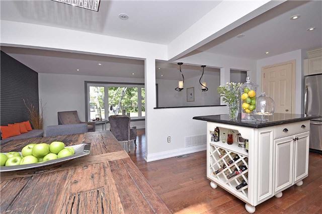 Detached at 236 Chebucto Dr, Oakville, Ontario. Image 16