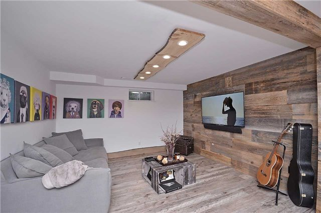 Detached at 236 Chebucto Dr, Oakville, Ontario. Image 10