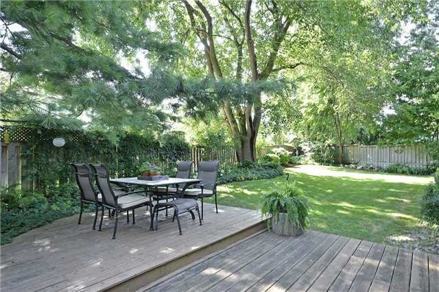 Detached at 236 Chebucto Dr, Oakville, Ontario. Image 11