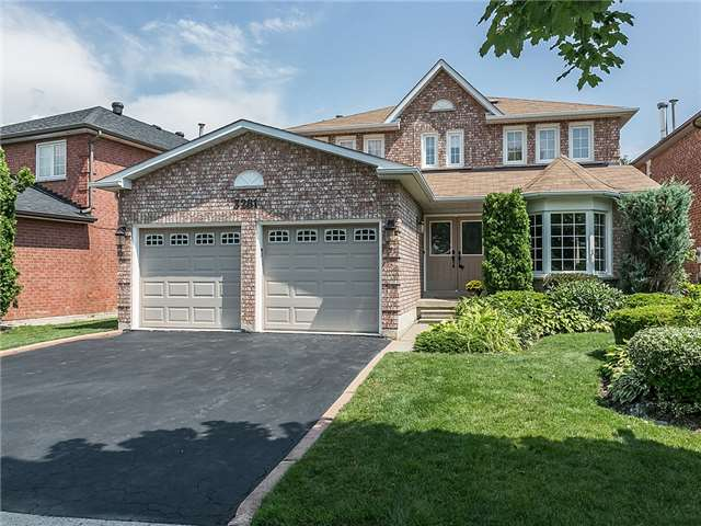 Detached at 3281 Loyalist Dr, Mississauga, Ontario. Image 1