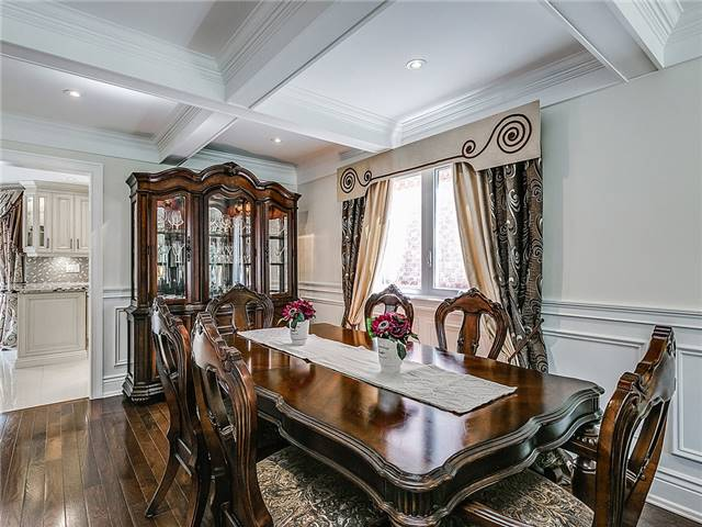 Detached at 3281 Loyalist Dr, Mississauga, Ontario. Image 15