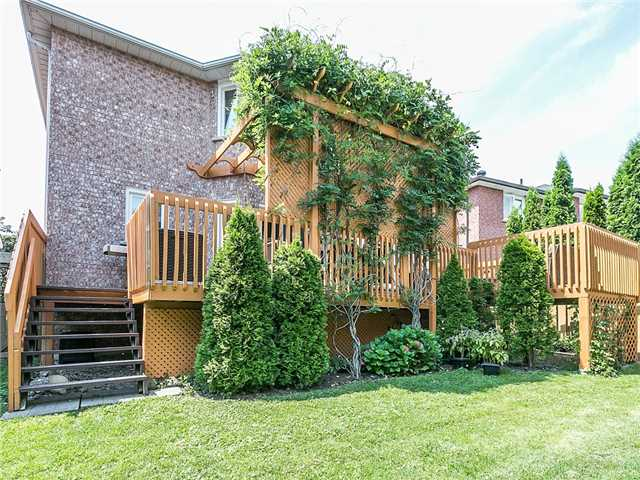 Detached at 3281 Loyalist Dr, Mississauga, Ontario. Image 11