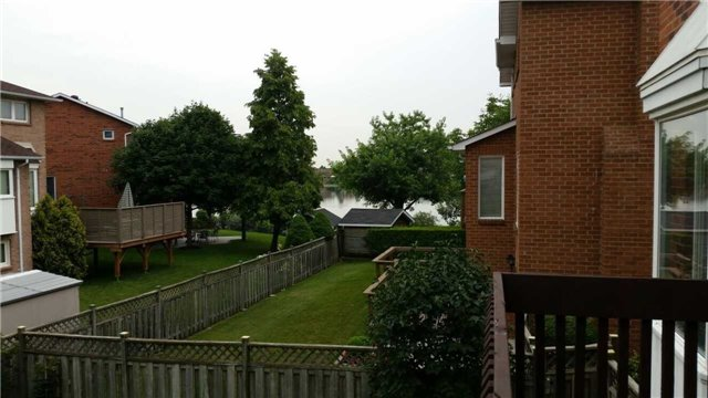 Detached at 2 Pelican Wood Crt, Brampton, Ontario. Image 11