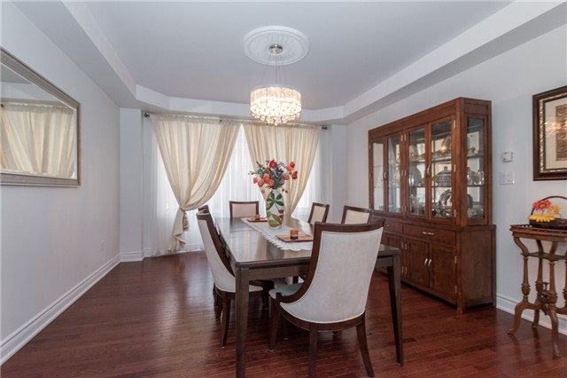 Detached at 2365 Awenda Dr, Oakville, Ontario. Image 12