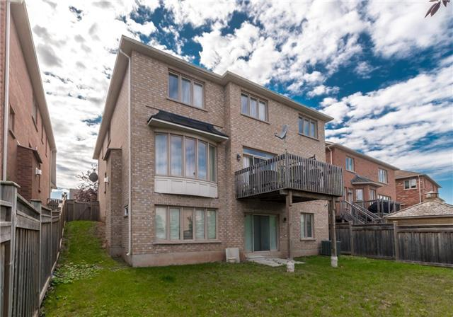 Detached at 2365 Awenda Dr, Oakville, Ontario. Image 11