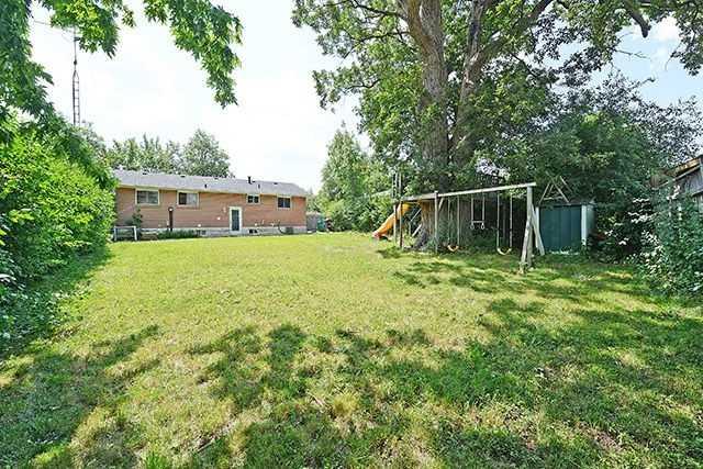 Detached at 738 Balmoral Dr, Brampton, Ontario. Image 11