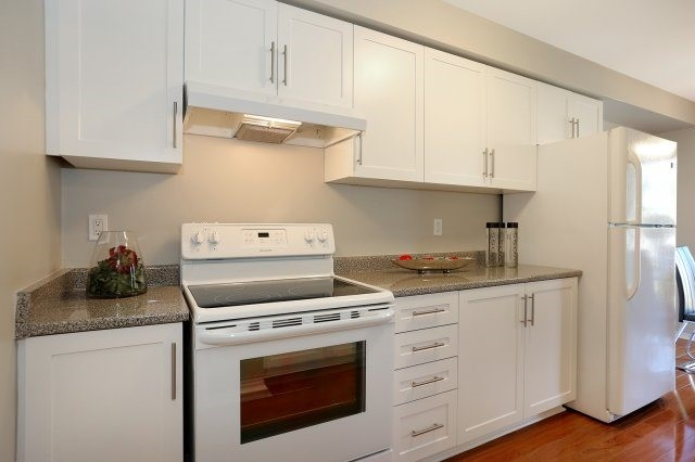 Condo Townhouse at 2350 Grand Ravine Dr, Unit 72, Oakville, Ontario. Image 14