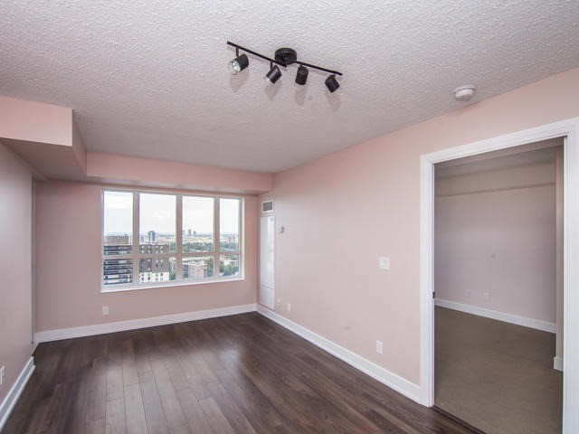 Condo Apartment at 6 Eva Rd, Unit 1807, Toronto, Ontario. Image 14