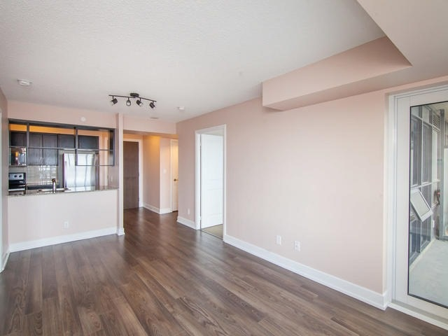 Condo Apartment at 6 Eva Rd, Unit 1807, Toronto, Ontario. Image 18