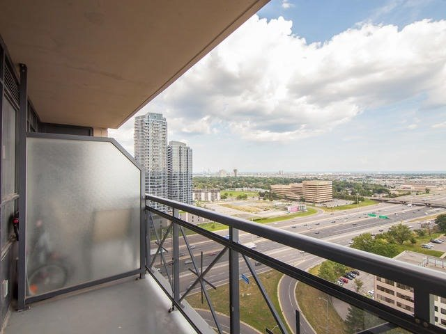 Condo Apartment at 6 Eva Rd, Unit 1807, Toronto, Ontario. Image 4