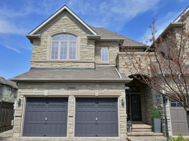 Townhouse at 2393 Wasaga Dr, Oakville, Ontario. Image 1