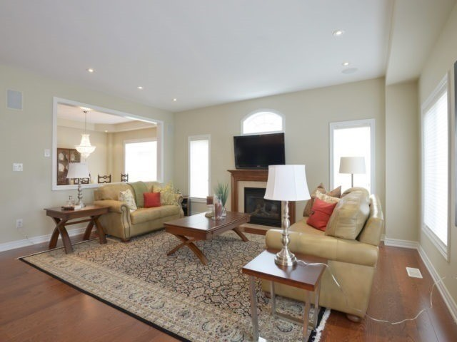 Townhouse at 2393 Wasaga Dr, Oakville, Ontario. Image 14