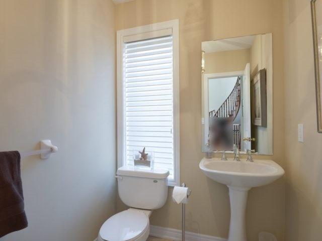 Townhouse at 2393 Wasaga Dr, Oakville, Ontario. Image 10