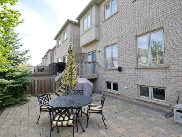 Townhouse at 2393 Wasaga Dr, Oakville, Ontario. Image 11