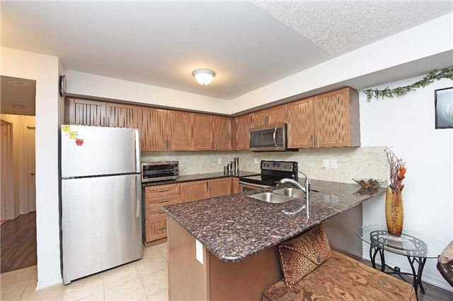 Condo Townhouse at 2476 Post Rd, Unit 8, Oakville, Ontario. Image 17