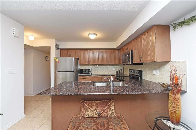 Condo Townhouse at 2476 Post Rd, Unit 8, Oakville, Ontario. Image 18
