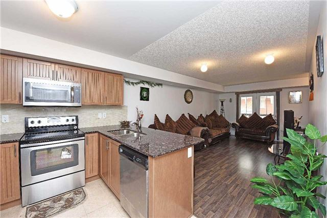 Condo Townhouse at 2476 Post Rd, Unit 8, Oakville, Ontario. Image 19
