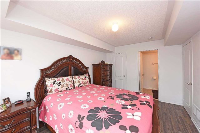 Condo Townhouse at 2476 Post Rd, Unit 8, Oakville, Ontario. Image 4