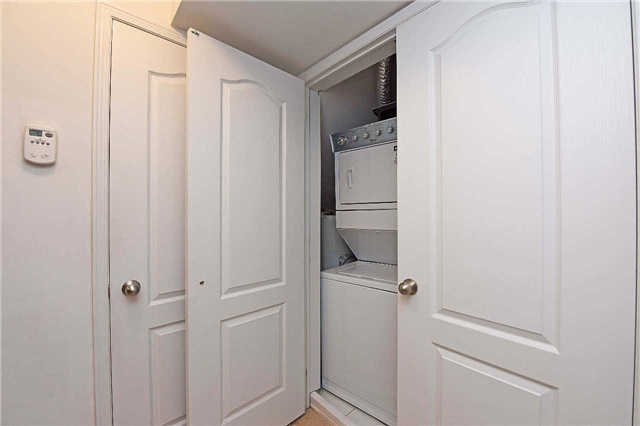 Condo Townhouse at 2476 Post Rd, Unit 8, Oakville, Ontario. Image 8