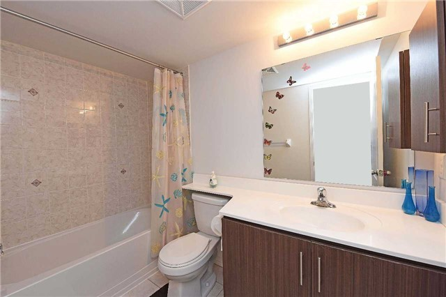Condo Townhouse at 2476 Post Rd, Unit 8, Oakville, Ontario. Image 9