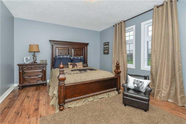 Detached at 4513 Concession 11 Rd, Halton Hills, Ontario. Image 2