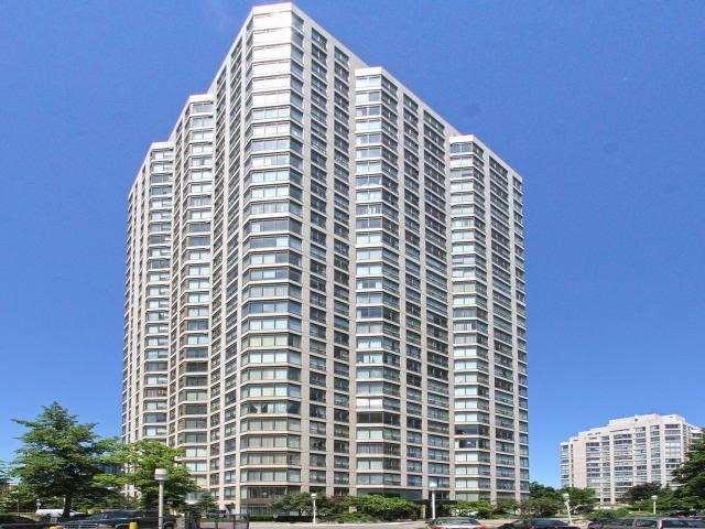 Condo Apartment at 2269 Lake Shore Blvd W, Unit Ph3301, Toronto, Ontario. Image 1