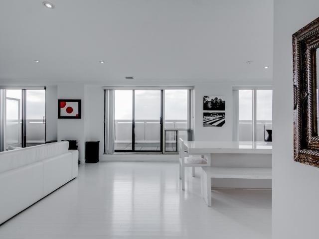Condo Apartment at 2269 Lake Shore Blvd W, Unit Ph3301, Toronto, Ontario. Image 12