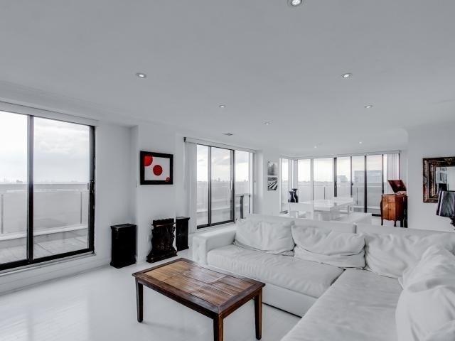 Condo Apartment at 2269 Lake Shore Blvd W, Unit Ph3301, Toronto, Ontario. Image 13
