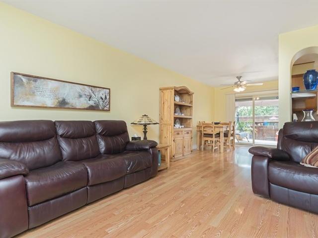 Condo Townhouse at 46 Mountainview Rd S, Unit 1, Halton Hills, Ontario. Image 16