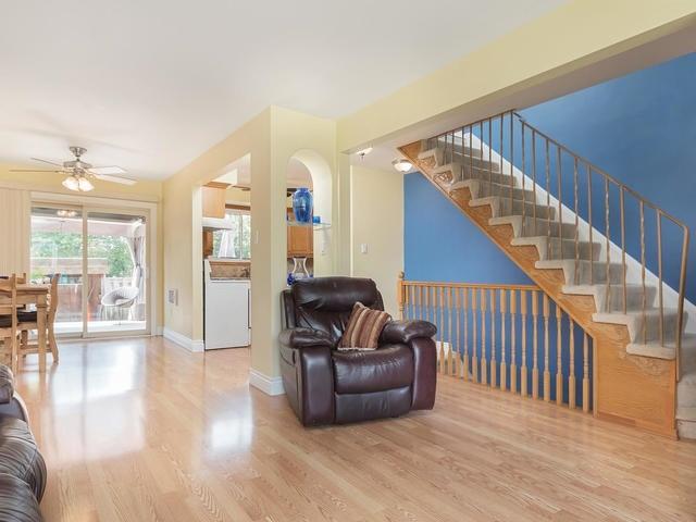 Condo Townhouse at 46 Mountainview Rd S, Unit 1, Halton Hills, Ontario. Image 17