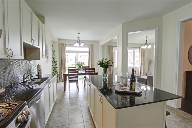 Detached at 479 Mcgibbon Dr, Milton, Ontario. Image 16
