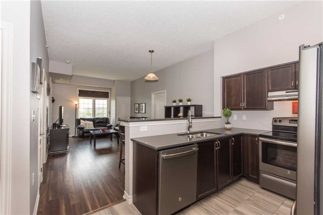 Condo Apartment at 1470 Main St E, Unit 413, Milton, Ontario. Image 15