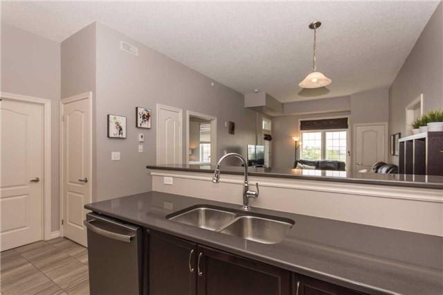 Condo Apartment at 1470 Main St E, Unit 413, Milton, Ontario. Image 17