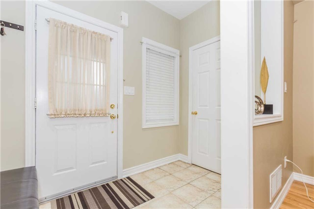 Detached at 1031 Eager Rd, Milton, Ontario. Image 14