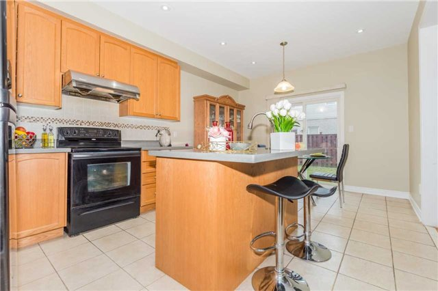 Detached at 1031 Eager Rd, Milton, Ontario. Image 19