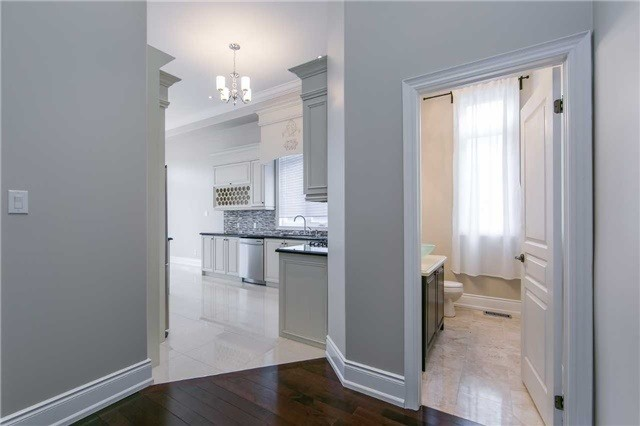 Detached at 19 Connorvale Ave, Toronto, Ontario. Image 12