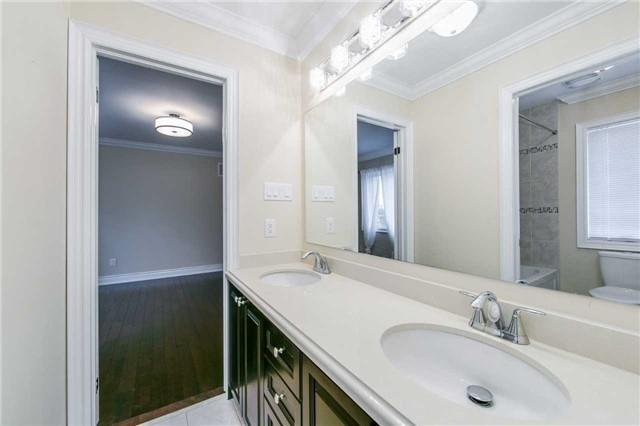 Detached at 19 Connorvale Ave, Toronto, Ontario. Image 4