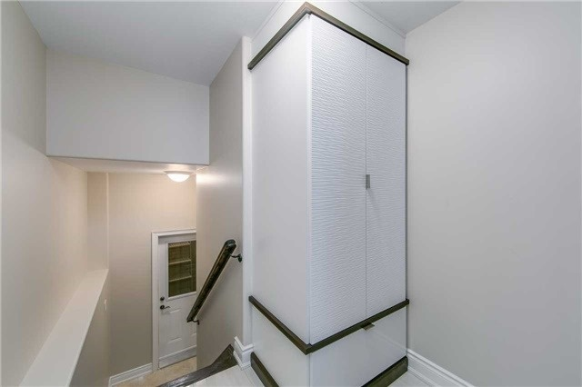 Detached at 19 Connorvale Ave, Toronto, Ontario. Image 6