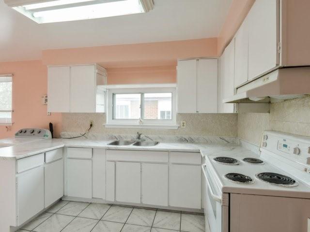 Semi-detached at 3383 Jolliffe Ave, Mississauga, Ontario. Image 20