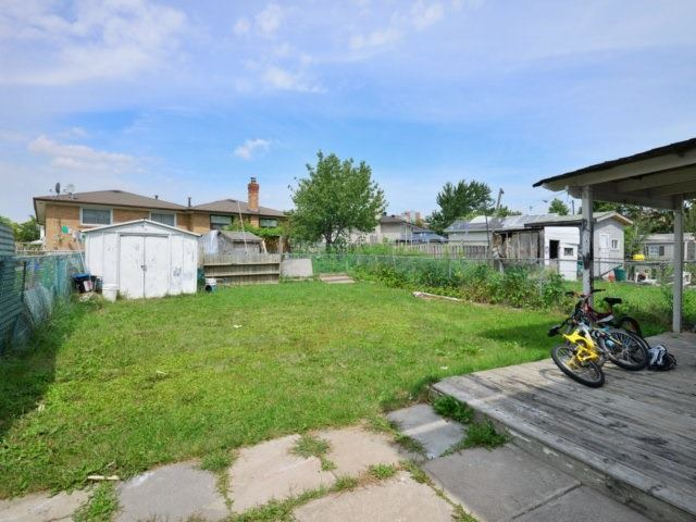 Semi-detached at 3383 Jolliffe Ave, Mississauga, Ontario. Image 11