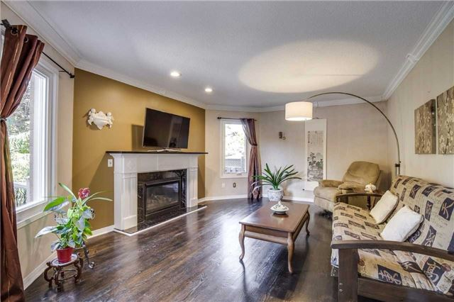 Detached at 3289 Turnstone Cres, Mississauga, Ontario. Image 11