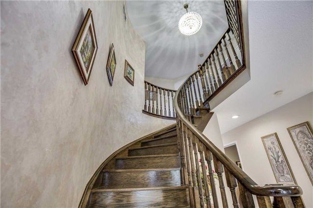 Detached at 3289 Turnstone Cres, Mississauga, Ontario. Image 15