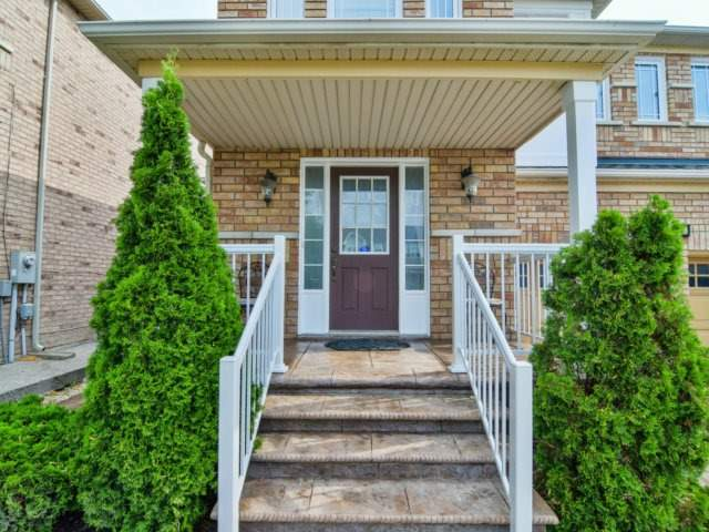 Detached at 161 Queen Mary Dr, Brampton, Ontario. Image 12